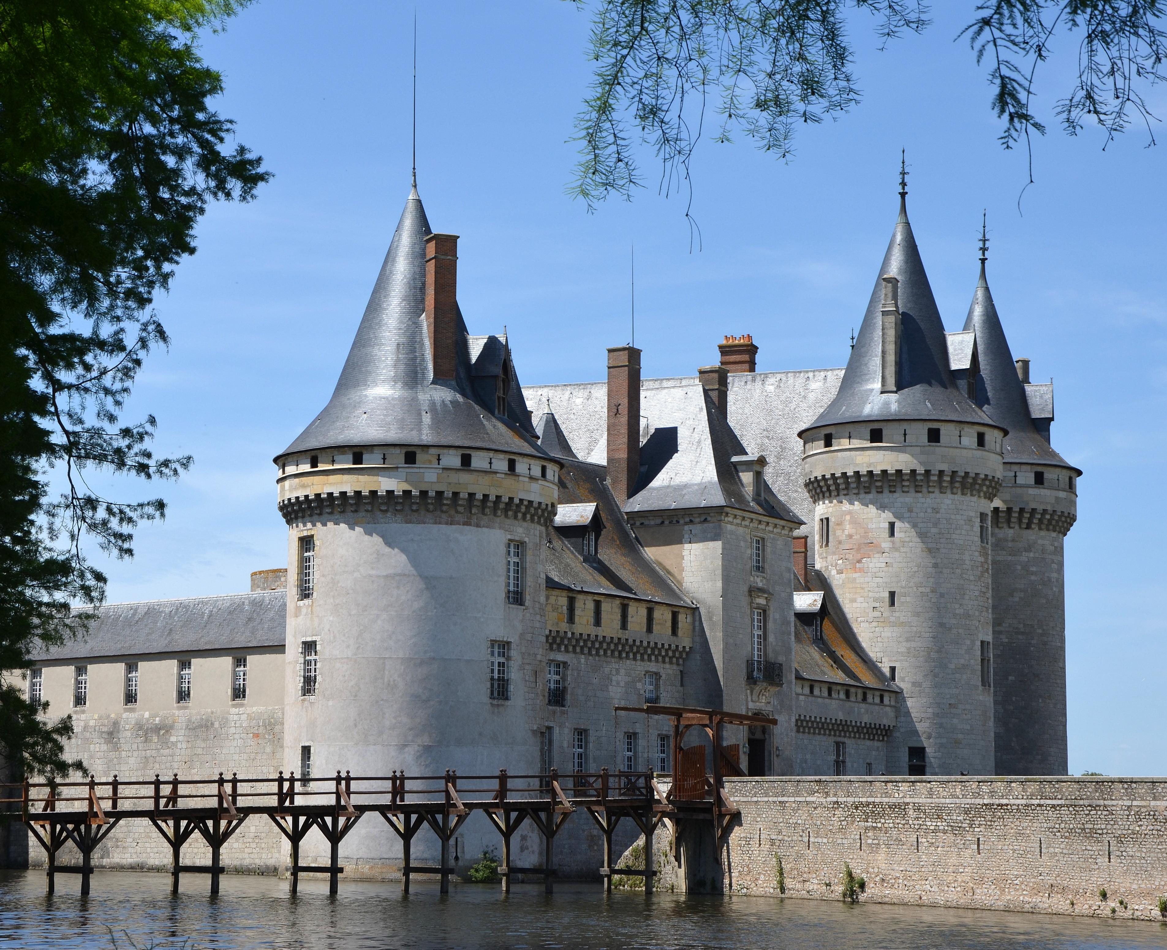 Chateau De Sully Sur Loire Wikipedia