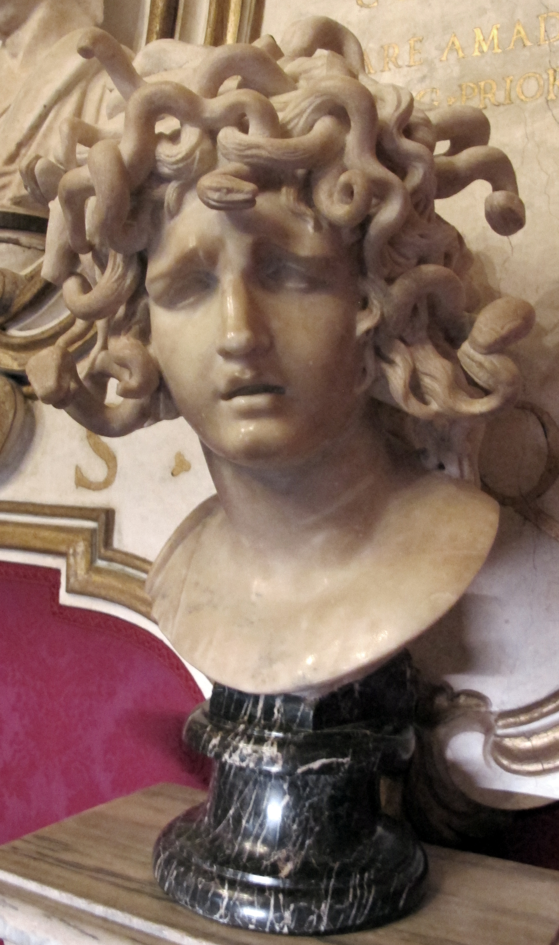 FileGian lorenzo bernini medusa 1630 03JPG