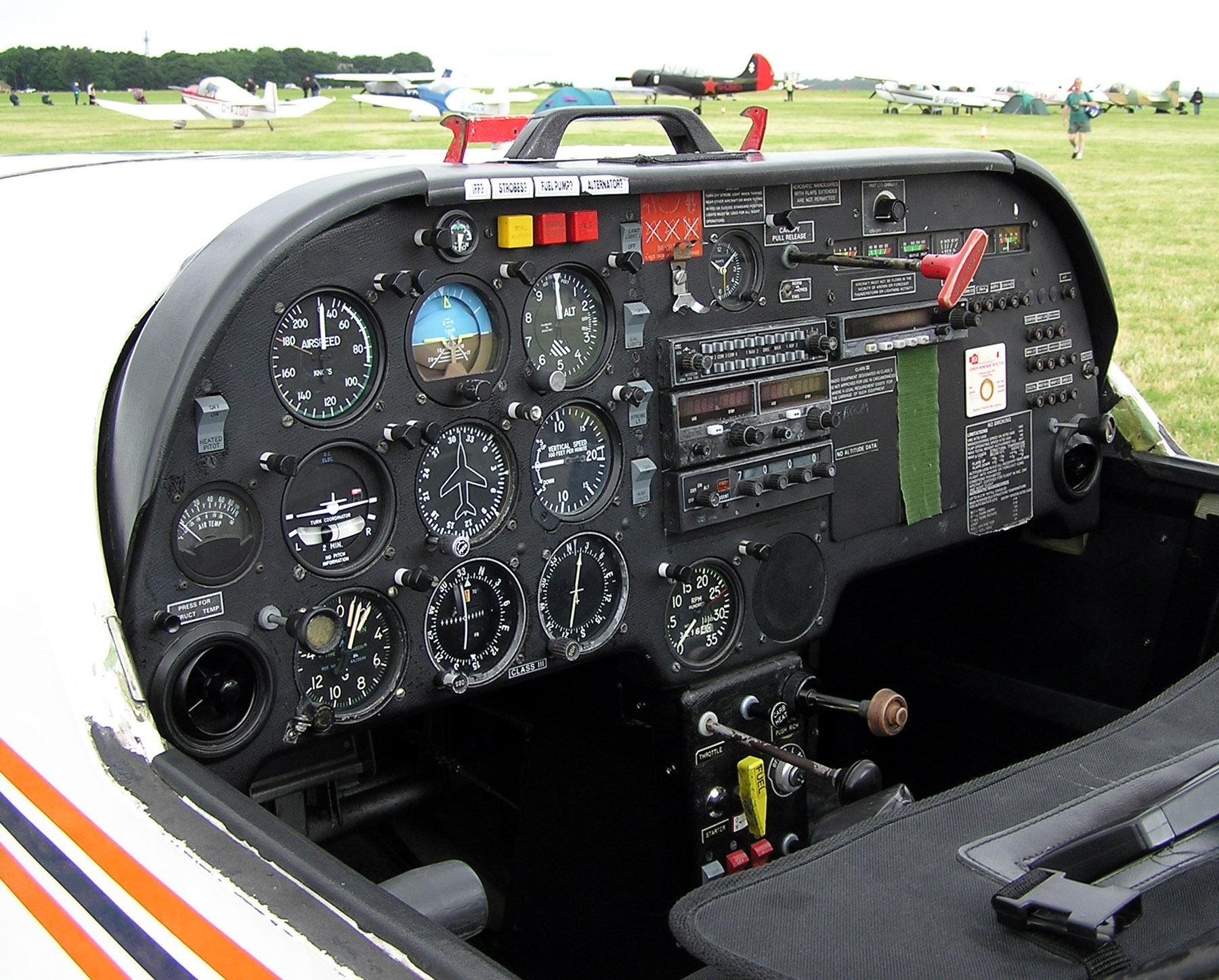 hight resolution of flight instruments