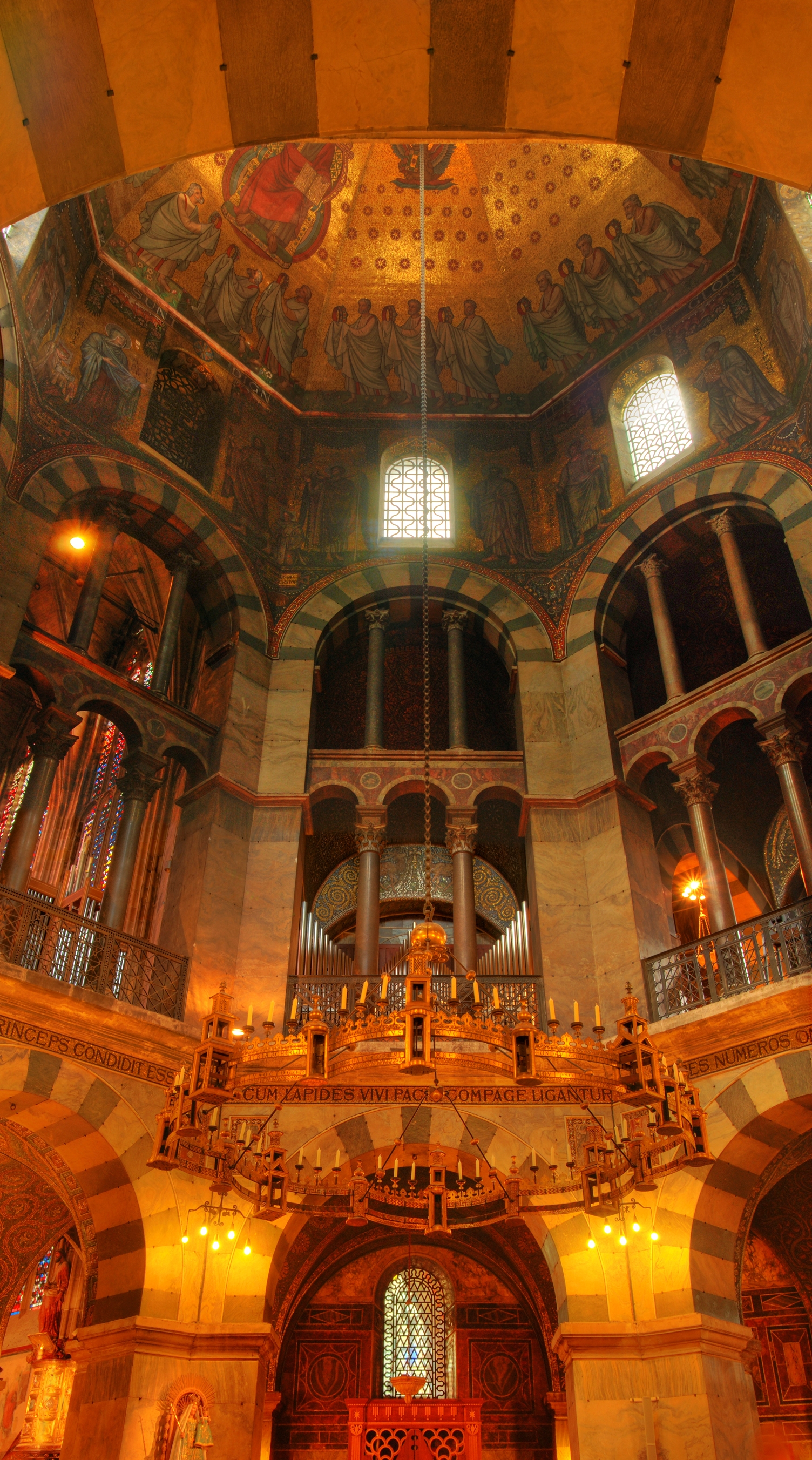 Octagonal chapel in the Aachen cathedral