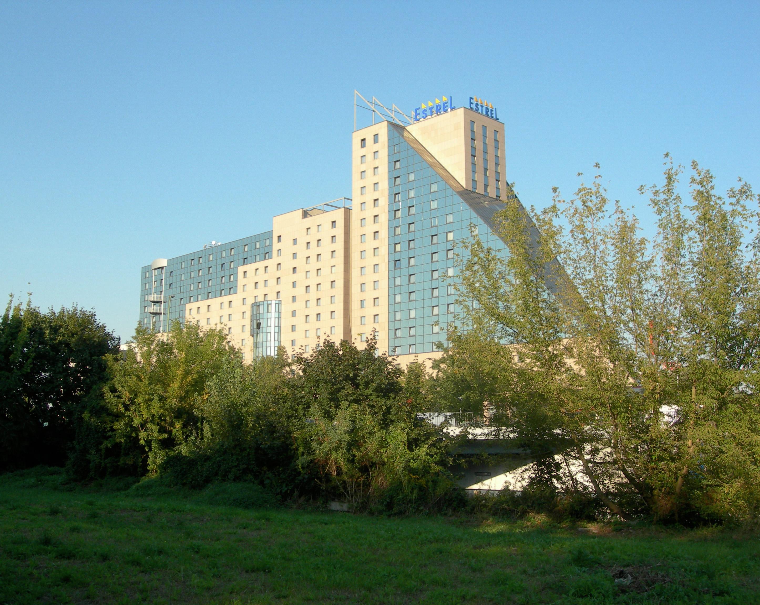 Estrel Hotel Wikipedia