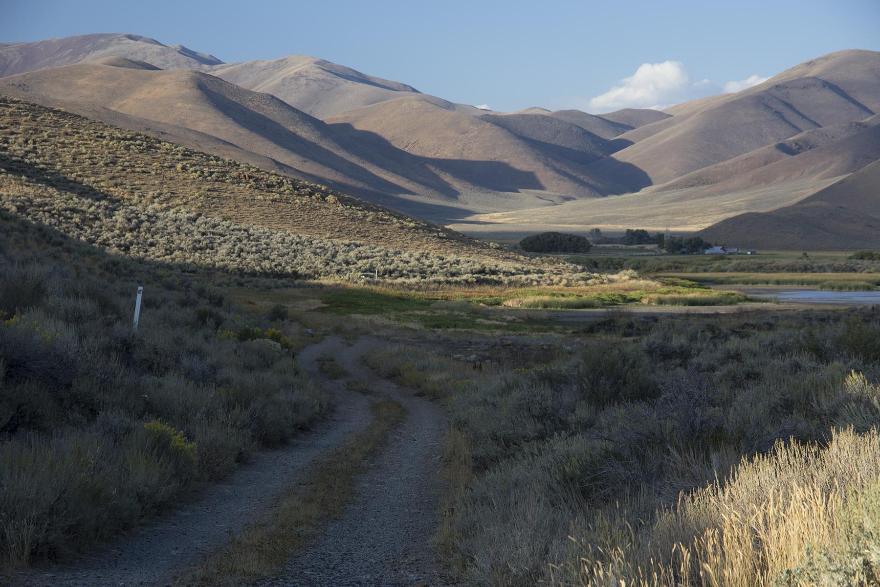 File Goodales Cutoff Of Oregon Trail At Lava Lake In