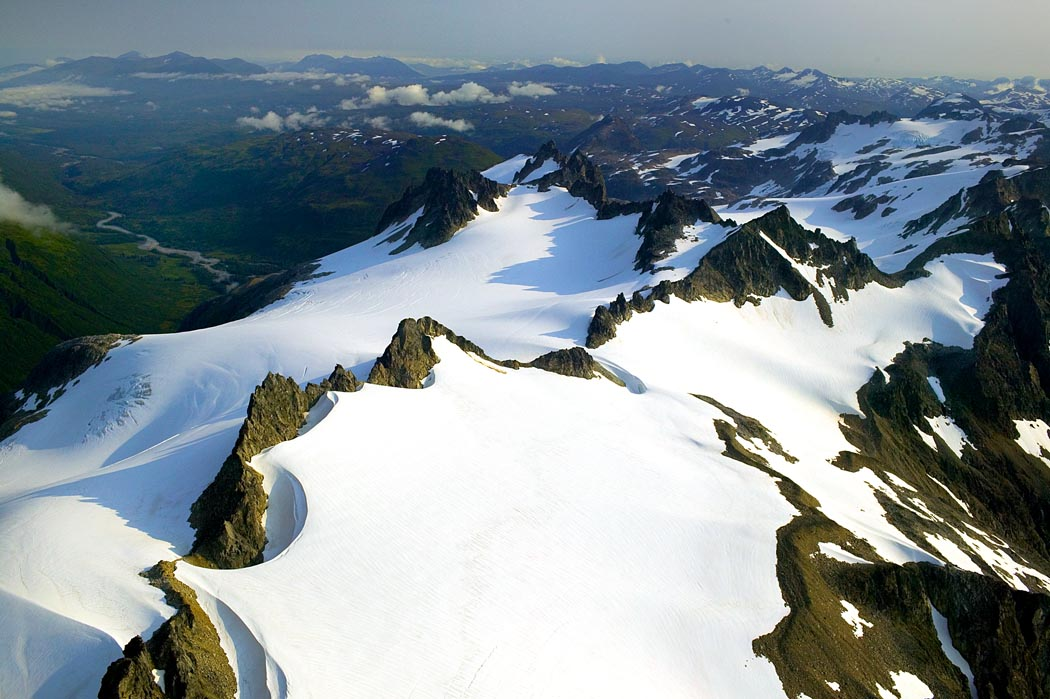 English: Jagged Mountain Peaks, Kodiak Nationa...