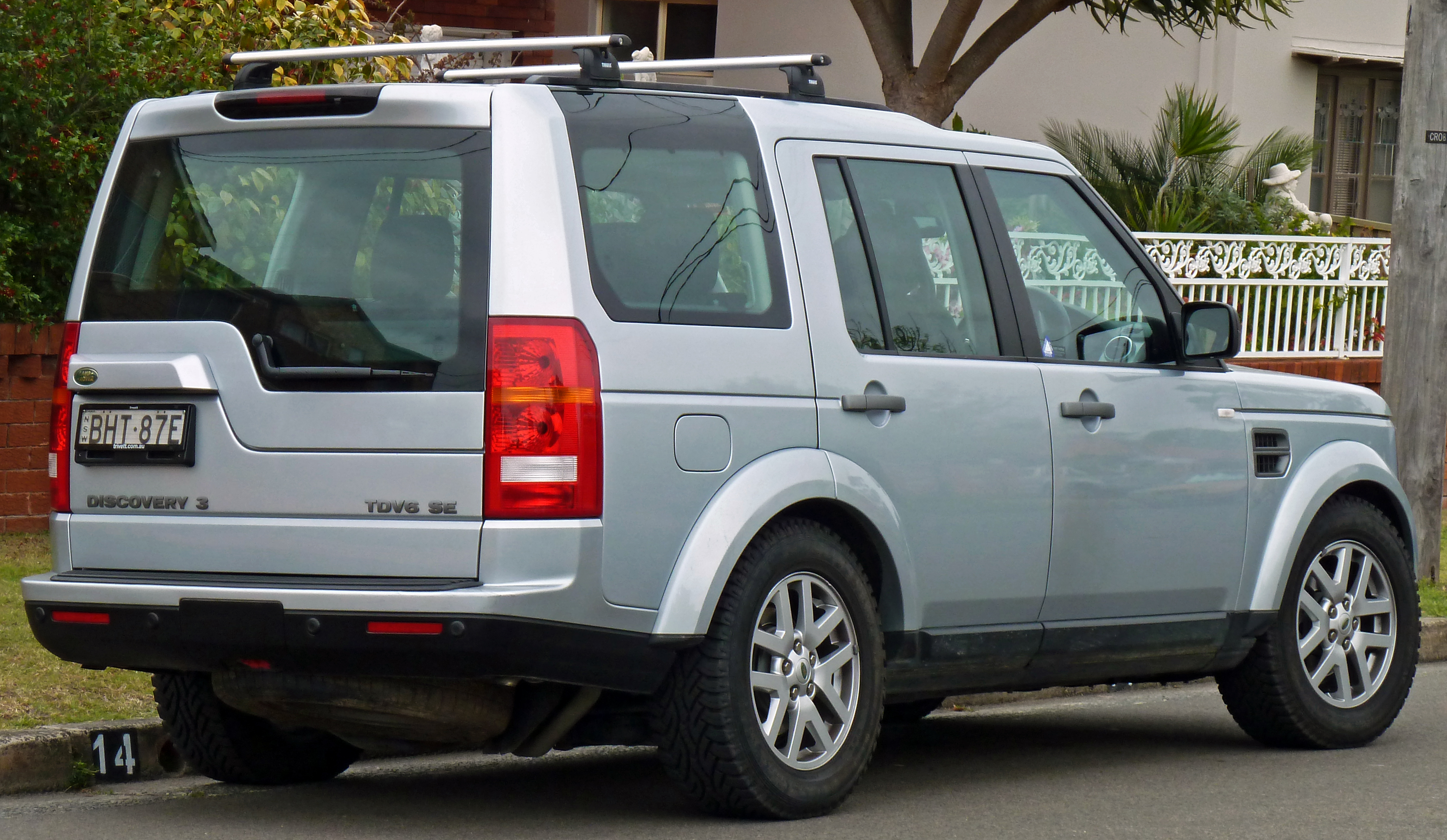 File 2008 2009 Land Rover Discovery 3 MY09 TDV6 SE wagon 2010
