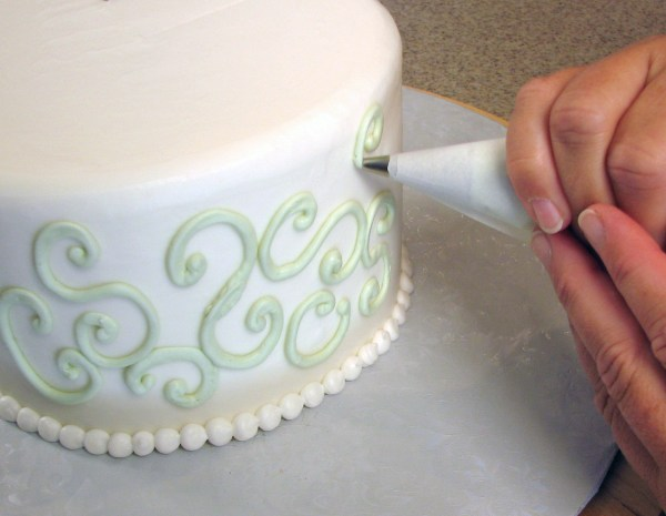 Cake Decorating - Wikipedia