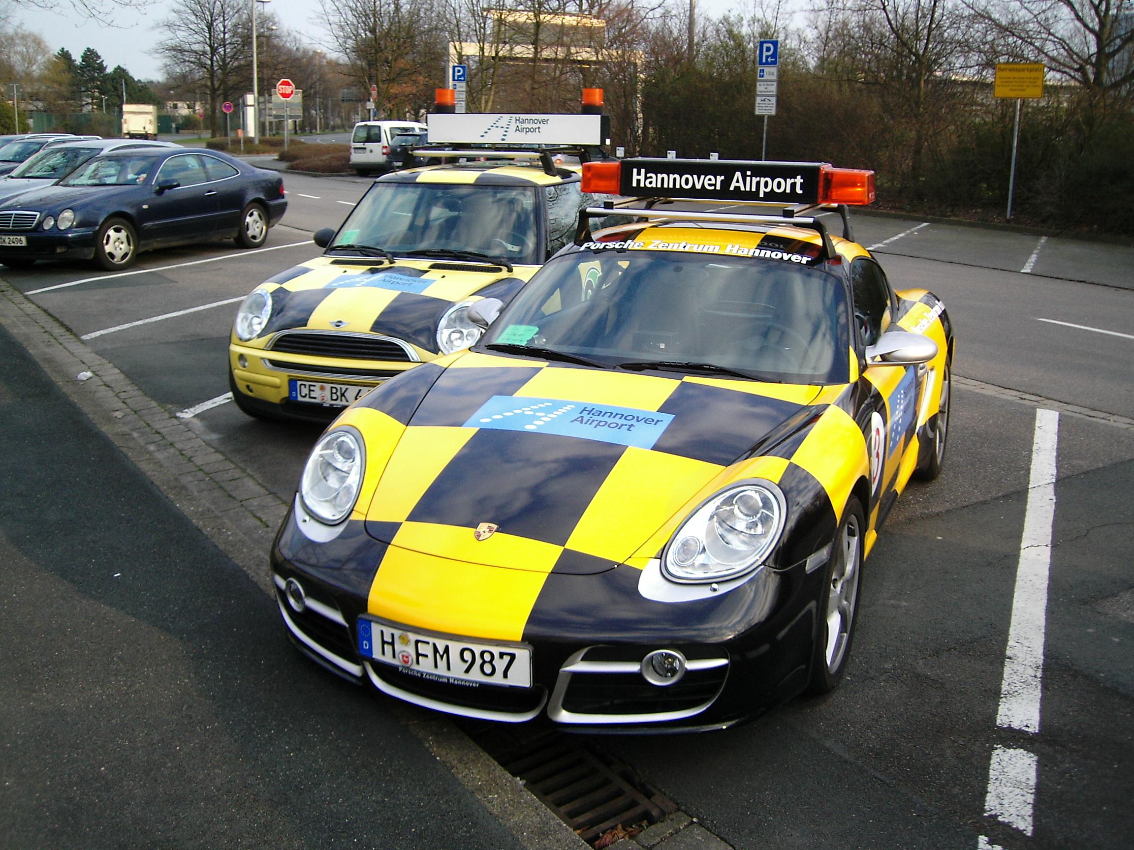 Mini Vs Porsche マークのウェブログ 1 72 ホンウェル ミニクーパー