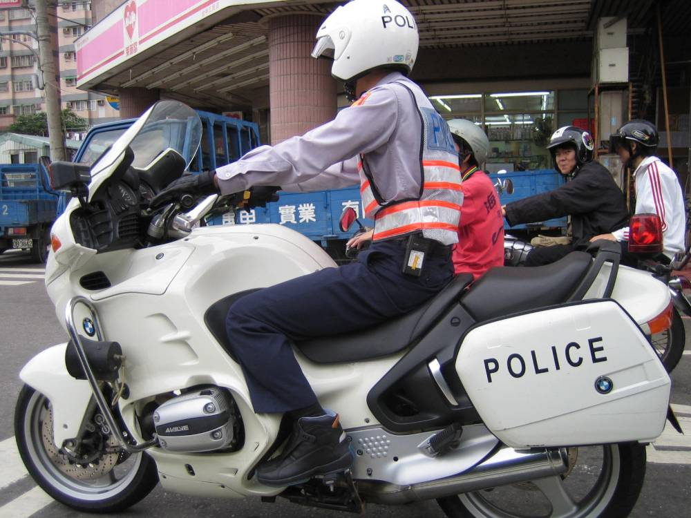 medium resolution of file taiwan police on bmw motorcycle jpg