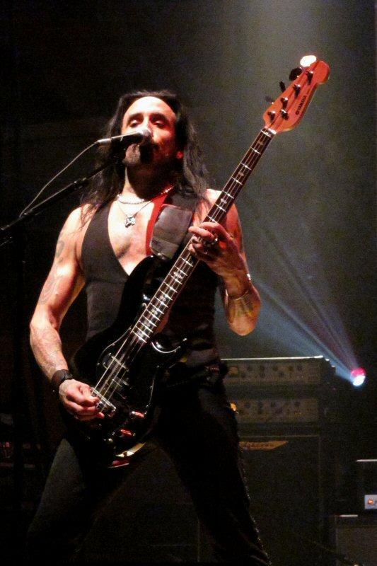 Marco Mendoza - Wikipedia