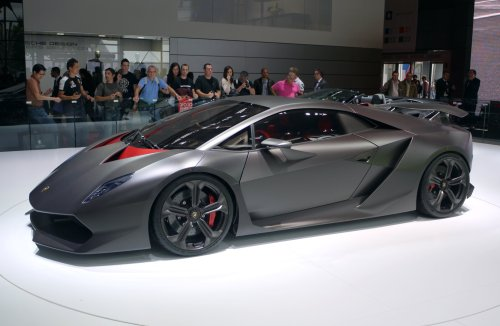 small resolution of the sesto elemento concept on display at the 2010 paris motor show