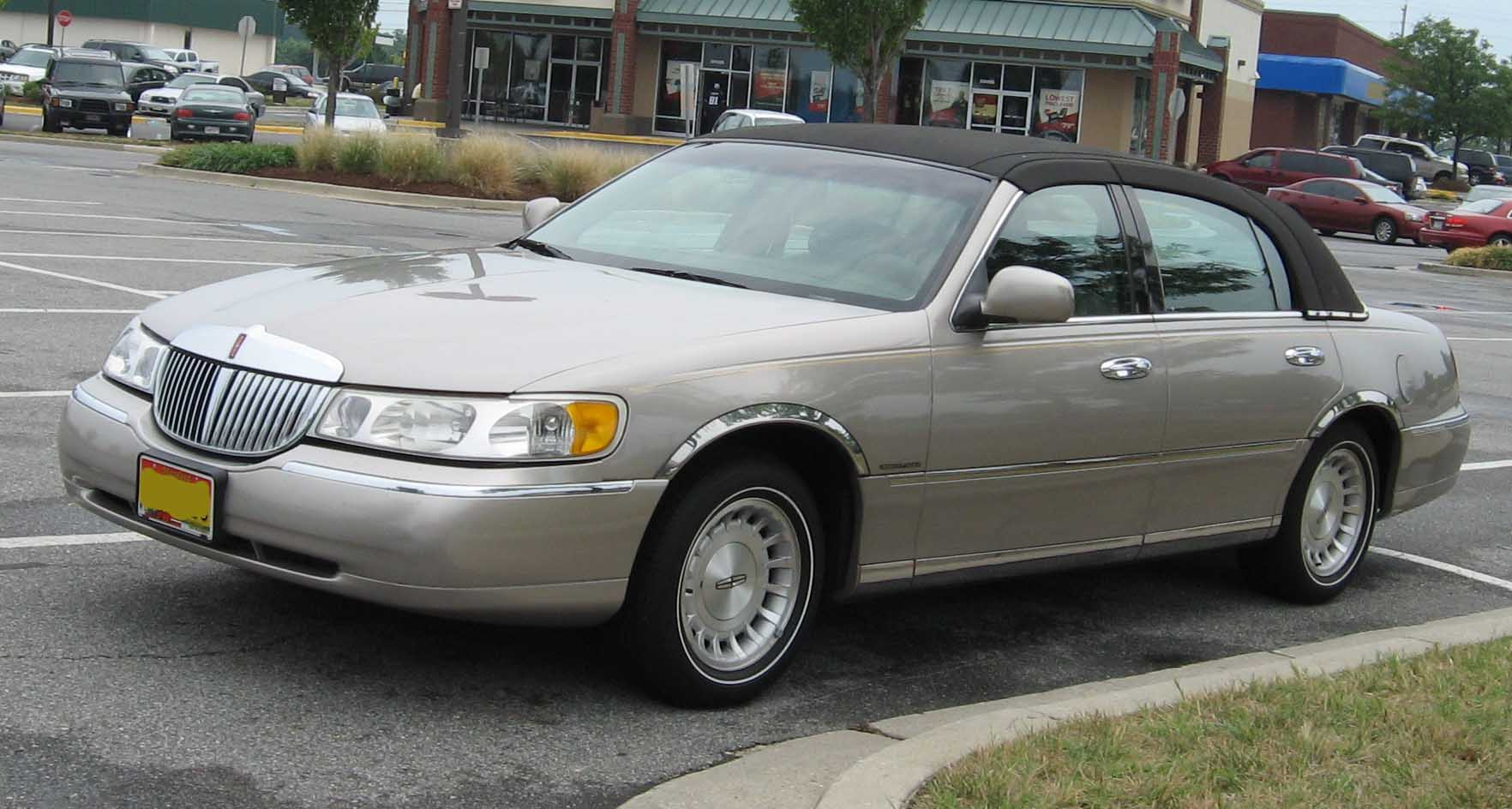 hight resolution of file 98 02 lincoln town car jpg