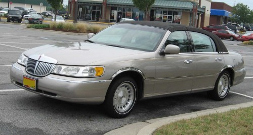 small resolution of file 98 02 lincoln town car jpg