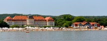 File Beach Of Sopot With Grand - Wikimedia Commons