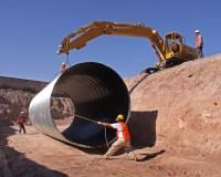 Sbor:Pipe installation 2.jpg  Wikipdia