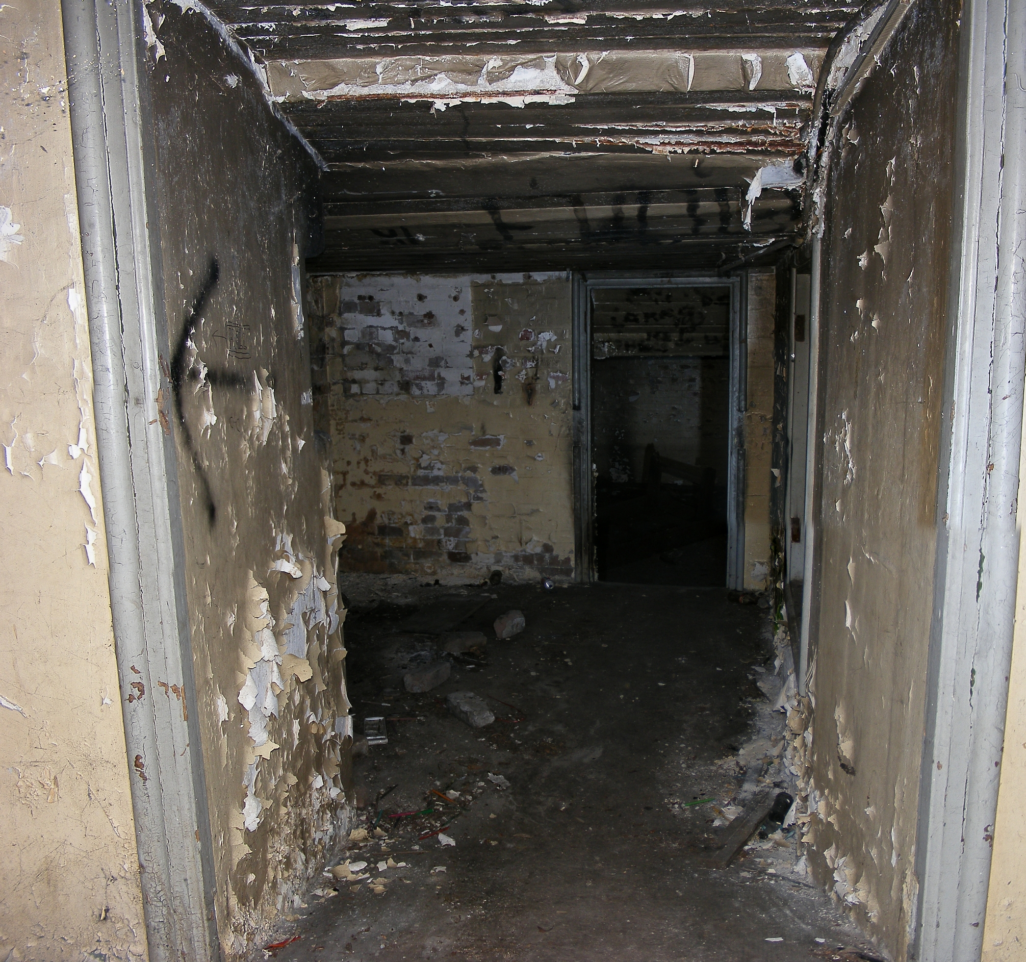 <b>Underground Bunkers</b> Images | TheCelebrityPix