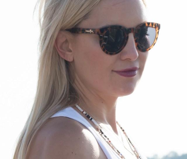 File2999741 Kate Hudson During Her Visit To Keesler Air Force Base September 2016
