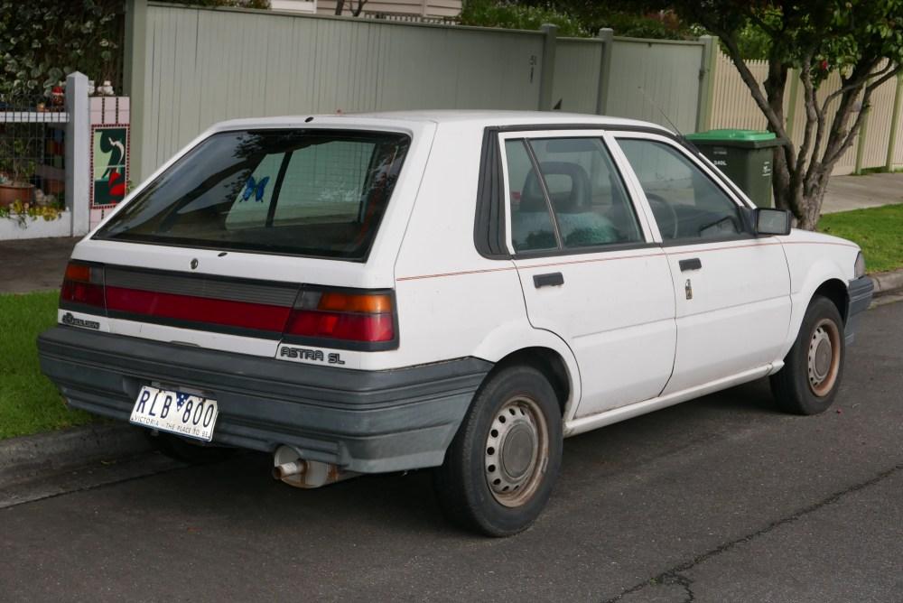 medium resolution of 1987 1989 holden astra sl hatchback