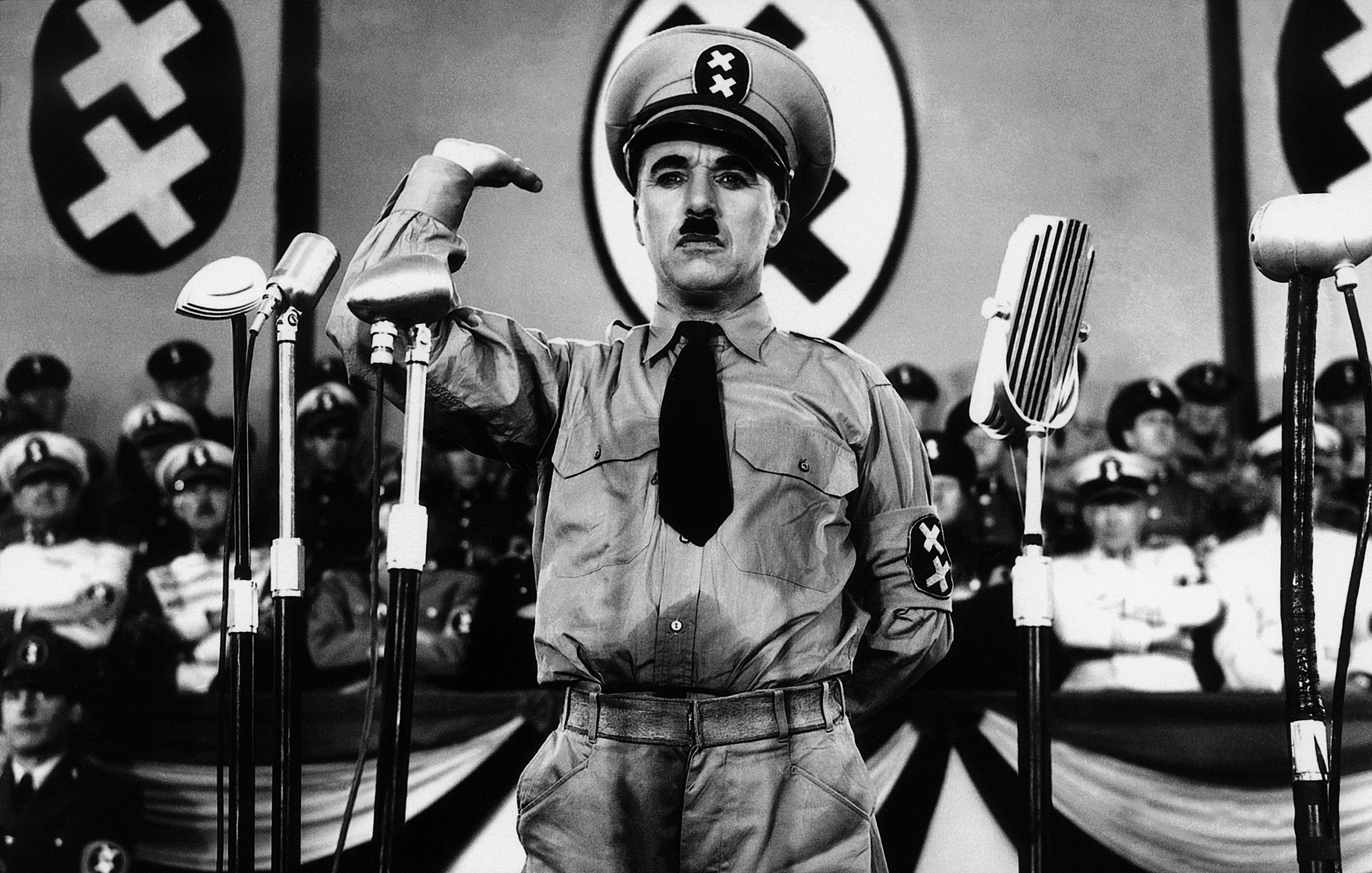 Charlie Chaplin em o Grande Ditador