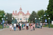 File Disneyland Park 05 Paris 22 August