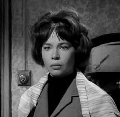 Cropped screenshot of Leslie Caron from the tr...