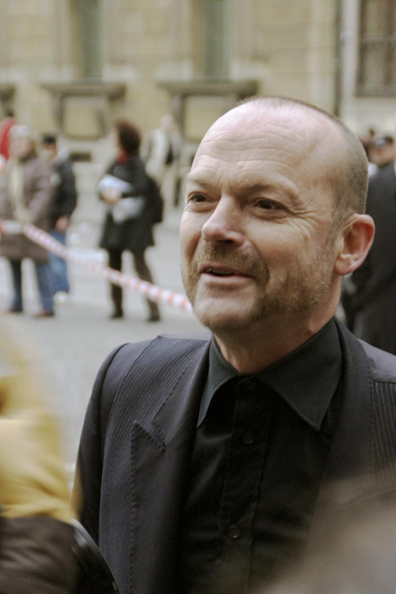 Wolfgang Flatz  Wikipedia