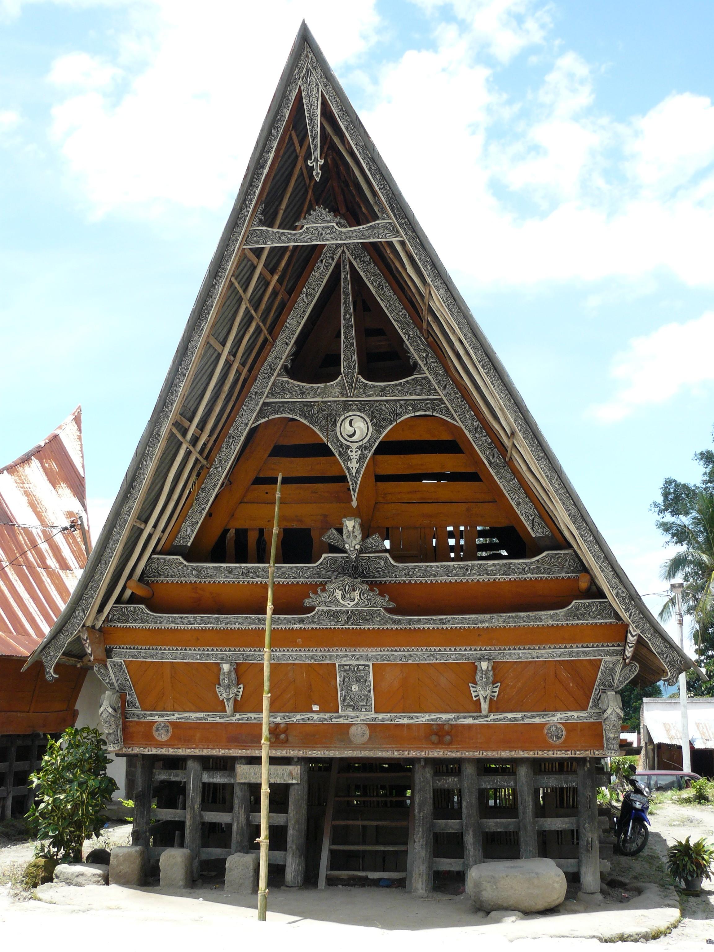 Rumah Adat Batak - Bolon, Simalungun, Karo, Pakpak + Gambar...