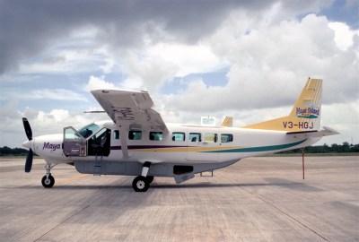 File:255ah - Maya Island Air Cessna 208B Grand Caravan V3 ...