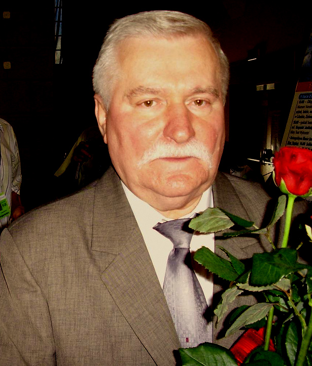 https://i0.wp.com/upload.wikimedia.org/wikipedia/commons/f/f4/Lech_Walesa.jpg