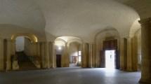 File P1140835 Arles Tel De Ville Salle Rdc
