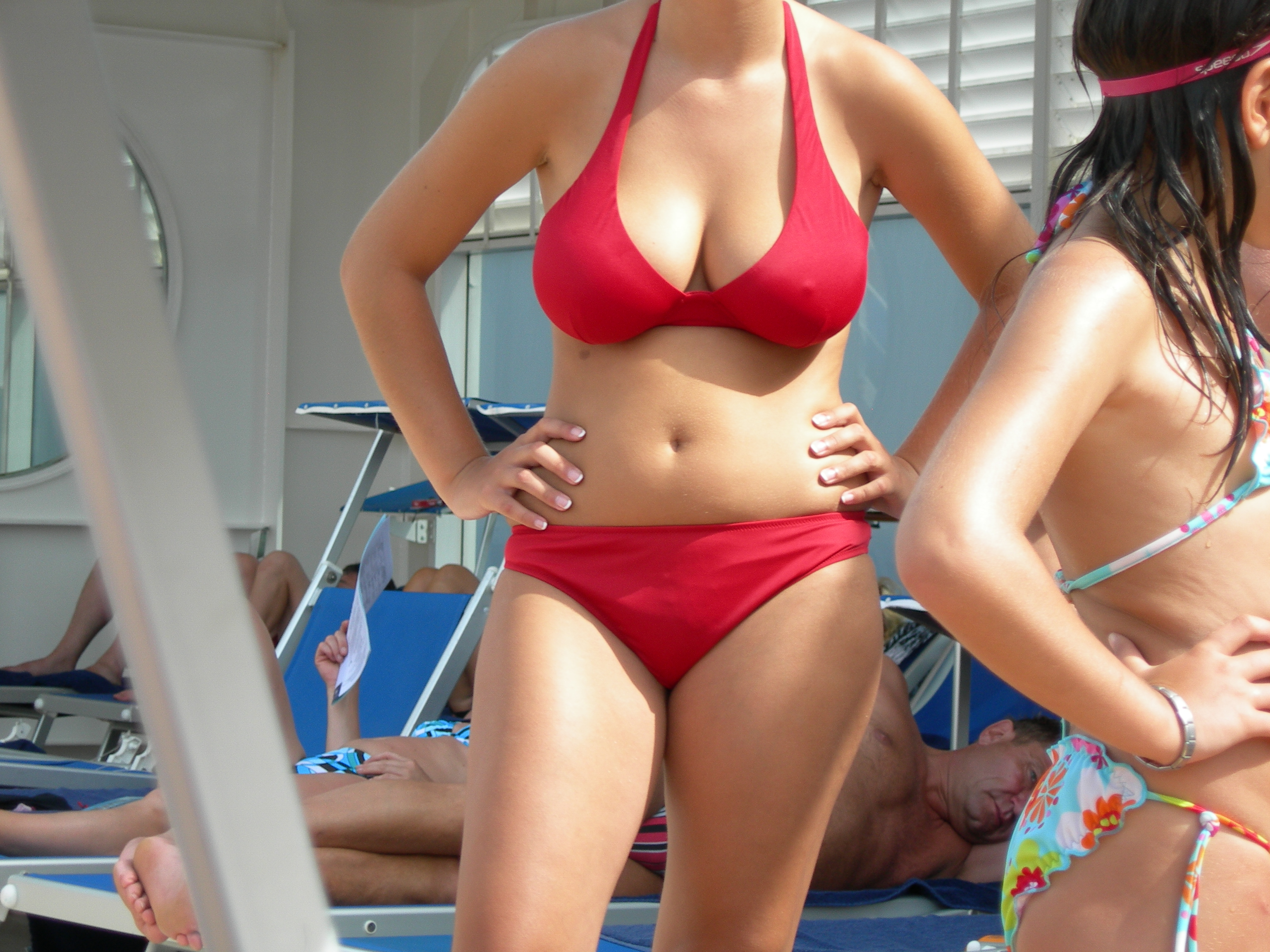 By Antonio Manfredonio (Flickr: Red Bikini) [CC-BY-SA-2.0 (www.creativecommons.org/licenses/by-sa/2.0)], via Wikimedia Commons