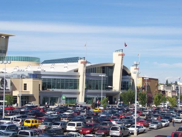 File Shopping Mall - Wikimedia Commons
