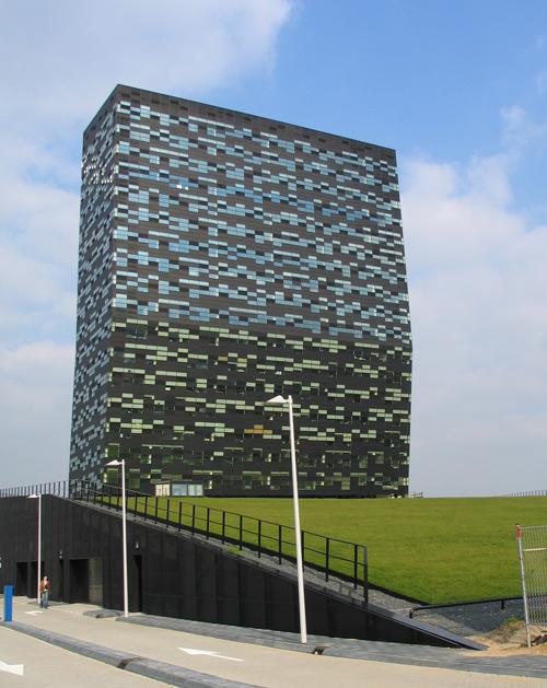 FiftyTwoDegrees, Nijmegen (2001–2007)