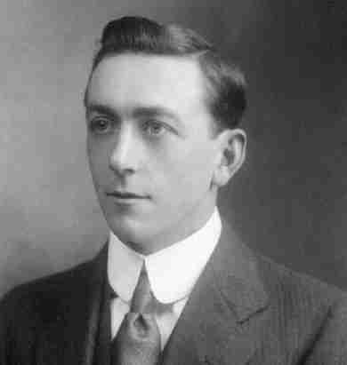 Arthurholmesin1912.jpg