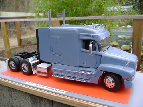 small resolution of file freightliner 120 century 1999 jpg