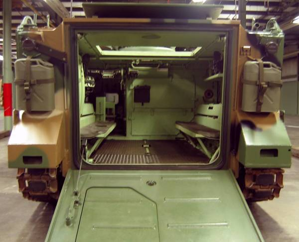 M113 Armored Personnel Carrier Military Wiki Fandom