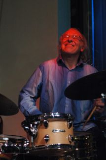 Tony Levin Drummer - Wikipedia