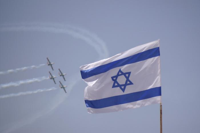 File:PikiWiki Israel 2482 independence day aerial demonstration מטס יום העצמאות.JPG