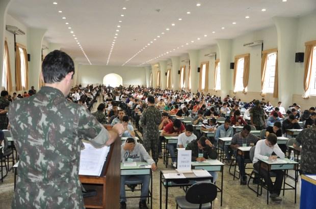 Resultado de imagem para concurso militares