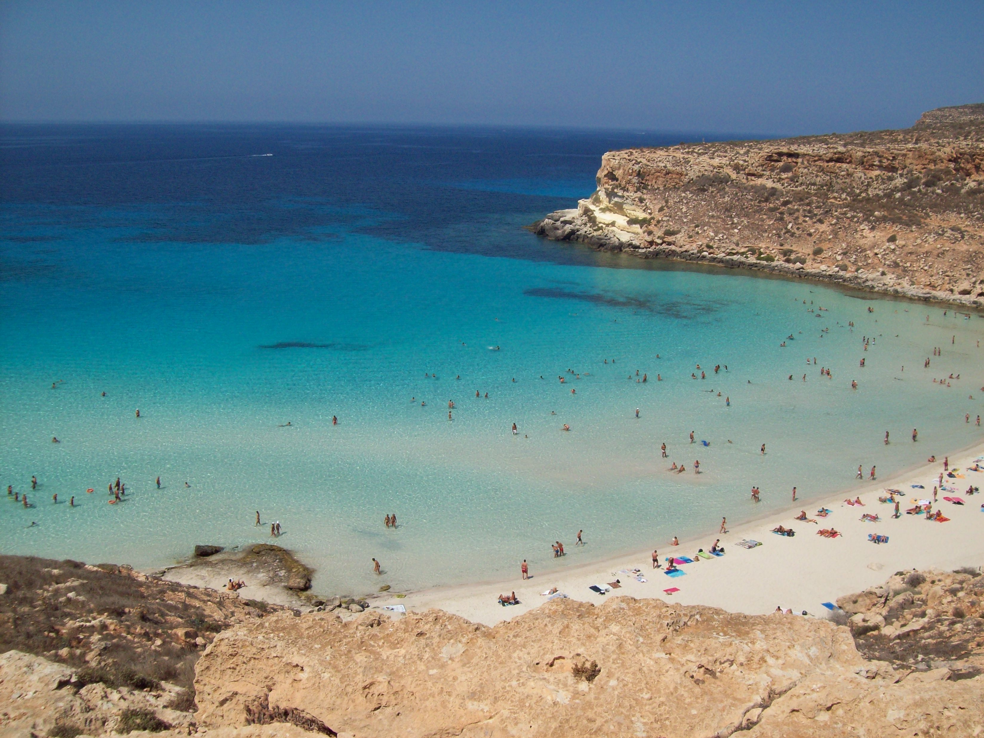 English: Beach oh Rabbit's Island in Lampedusa...