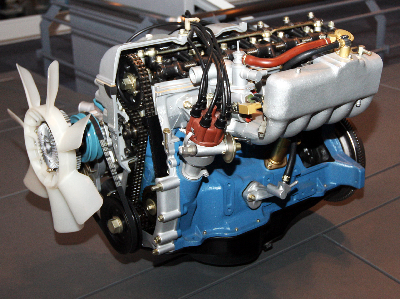 hight resolution of file 1973 toyota m e type engine front jpg