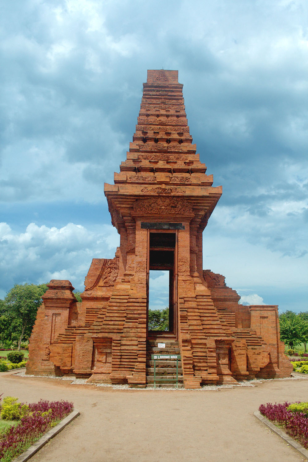 Ciri Ciri Candi Di Jawa Timur : candi, timur, Situs, Trowulan, Wikipedia, Bahasa, Indonesia,, Ensiklopedia, Bebas