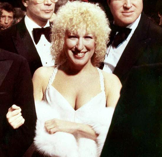 File:Bette Midler 1979 2.jpg