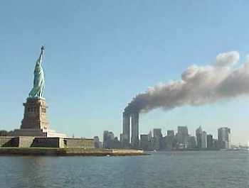 https://i0.wp.com/upload.wikimedia.org/wikipedia/commons/f/fd/National_Park_Service_9-11_Statue_of_Liberty_and_WTC_fire.jpg