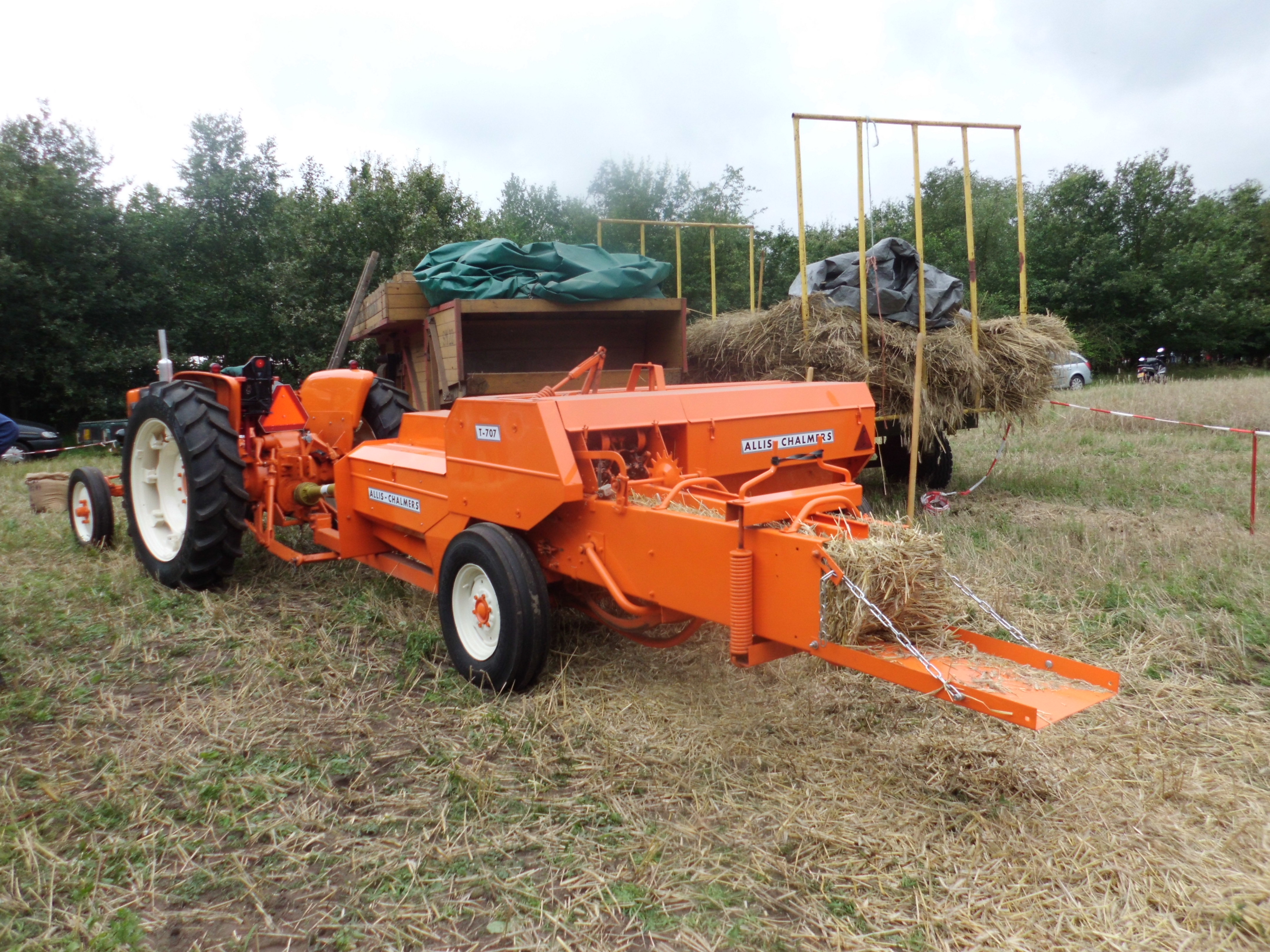 Allis Chalmers 200 Tractor For Sale