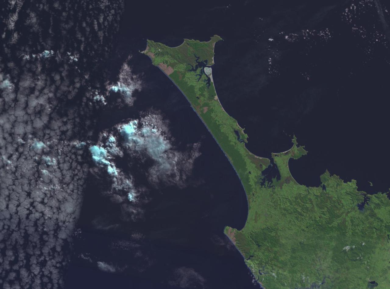 NASA Satellite Imagery of Ninety Mile Beach (from Wikipedia)