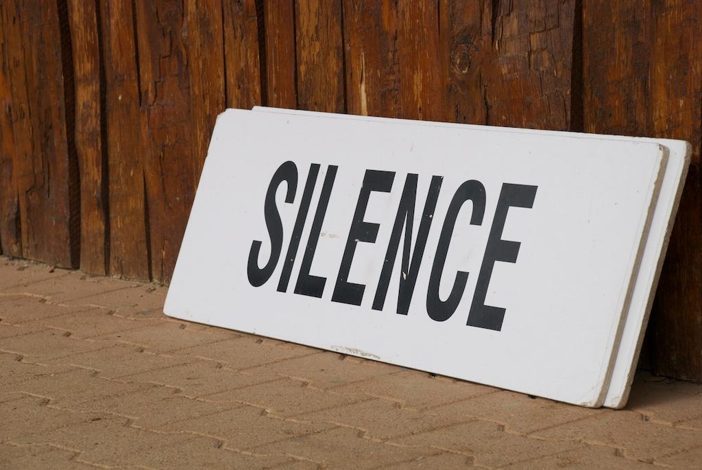 https://i0.wp.com/upload.wikimedia.org/wikipedia/commons/f/fe/Taize-Silence.jpg