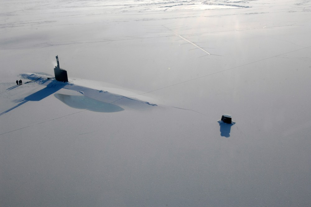 medium resolution of us navy attack submarine uss annapolis rests in the arctic ocean after surfacing through three feet of ice during ice exercise 2009 on 21 march 2009