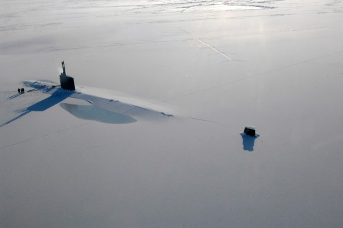 small resolution of us navy attack submarine uss annapolis rests in the arctic ocean after surfacing through three feet of ice during ice exercise 2009 on 21 march 2009