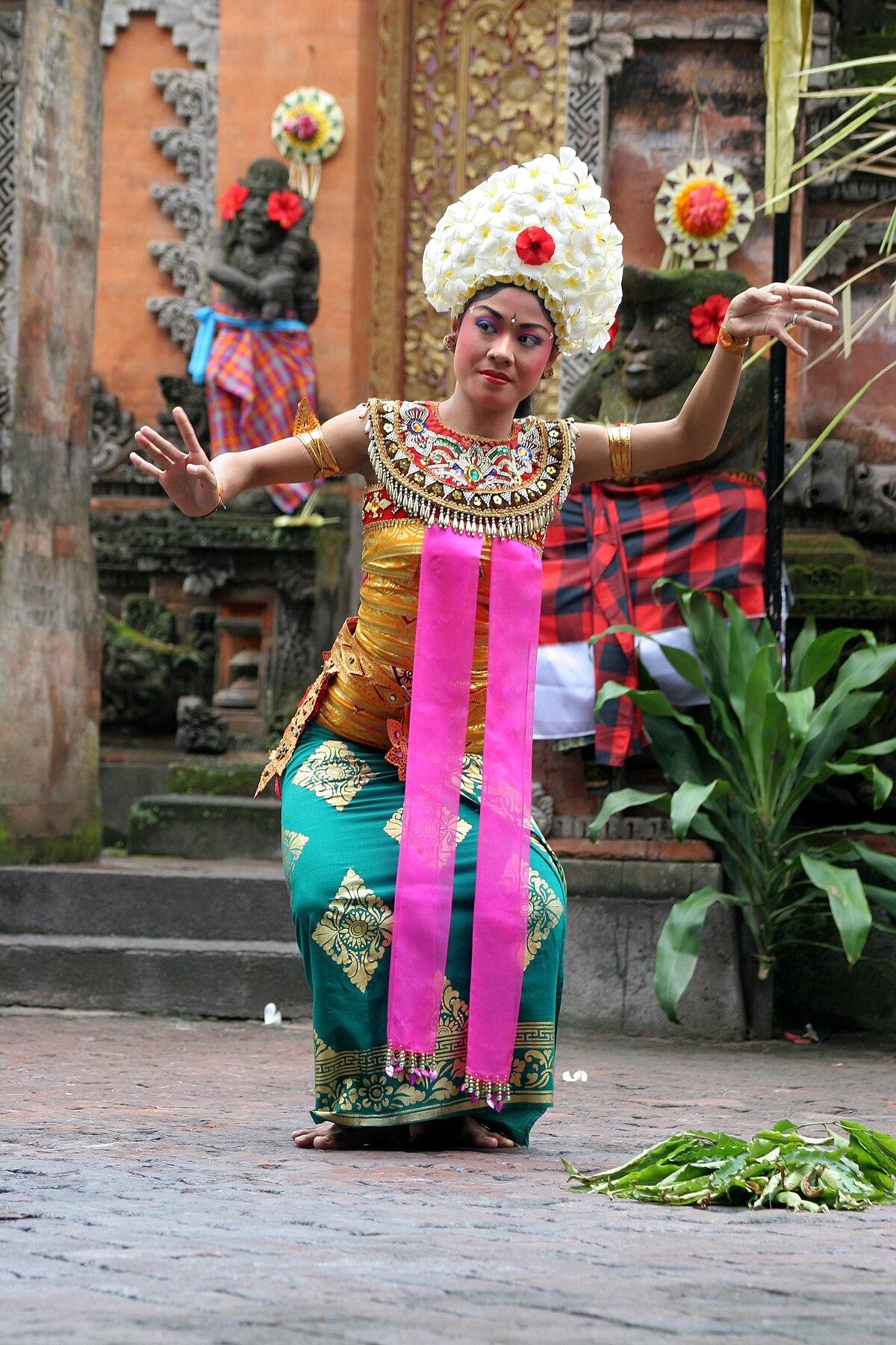 Tari Tarian Nusantara : tarian, nusantara, Tarian, Indonesia, Wikipedia, Bahasa, Indonesia,, Ensiklopedia, Bebas