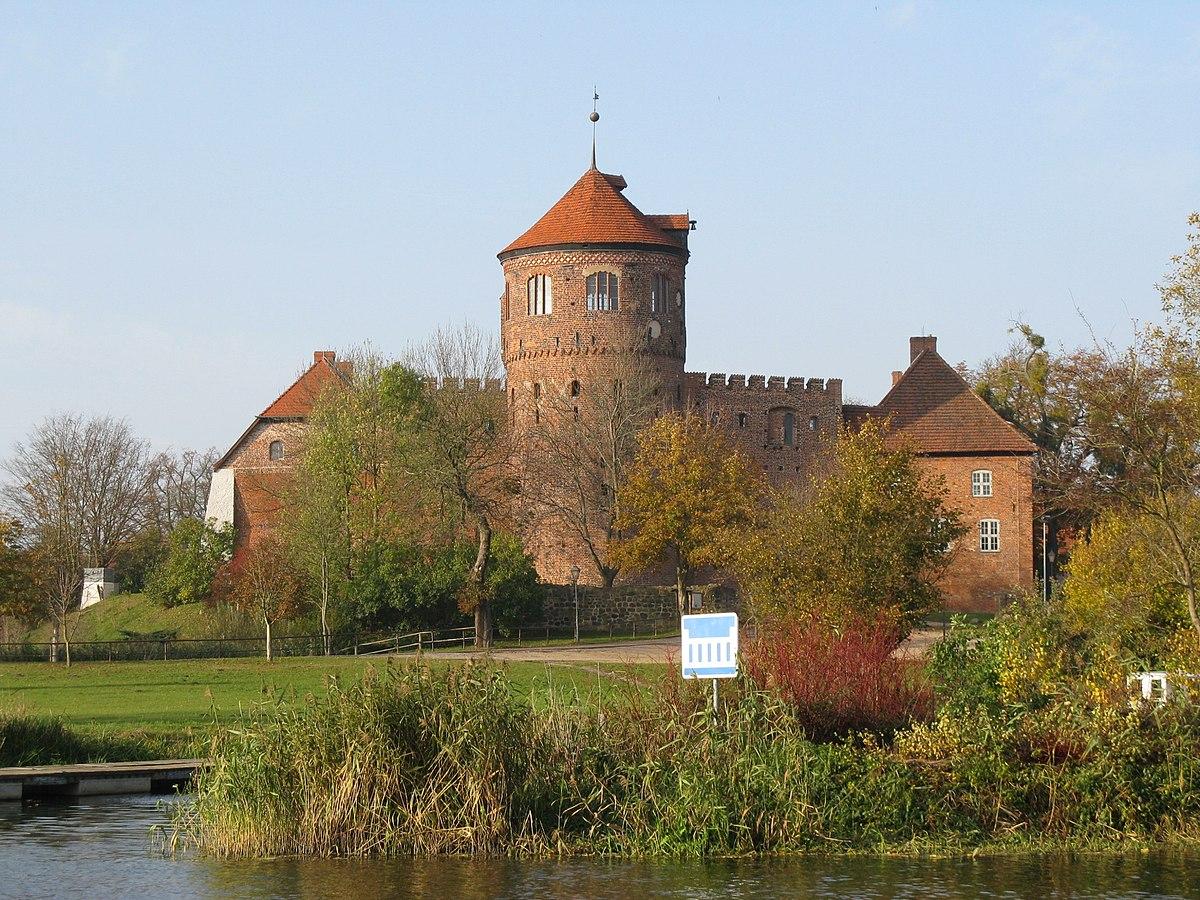 Alte Burg NeustadtGlewe  Wikipedia