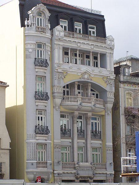 Lisboa-Avenida Republica-Past Versailles.jpg